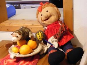 Sie mögen Orangen?/ --- / Aha.